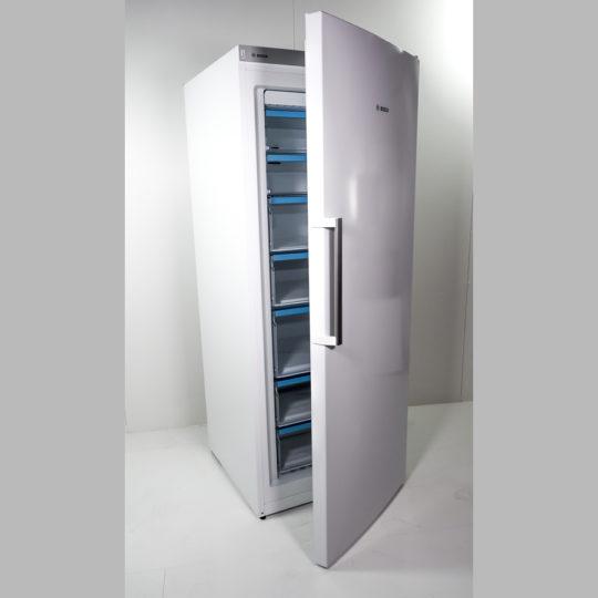 Gefrierschrank 323 Liter, fünf Schubladen, zwei Fächer, weiß
