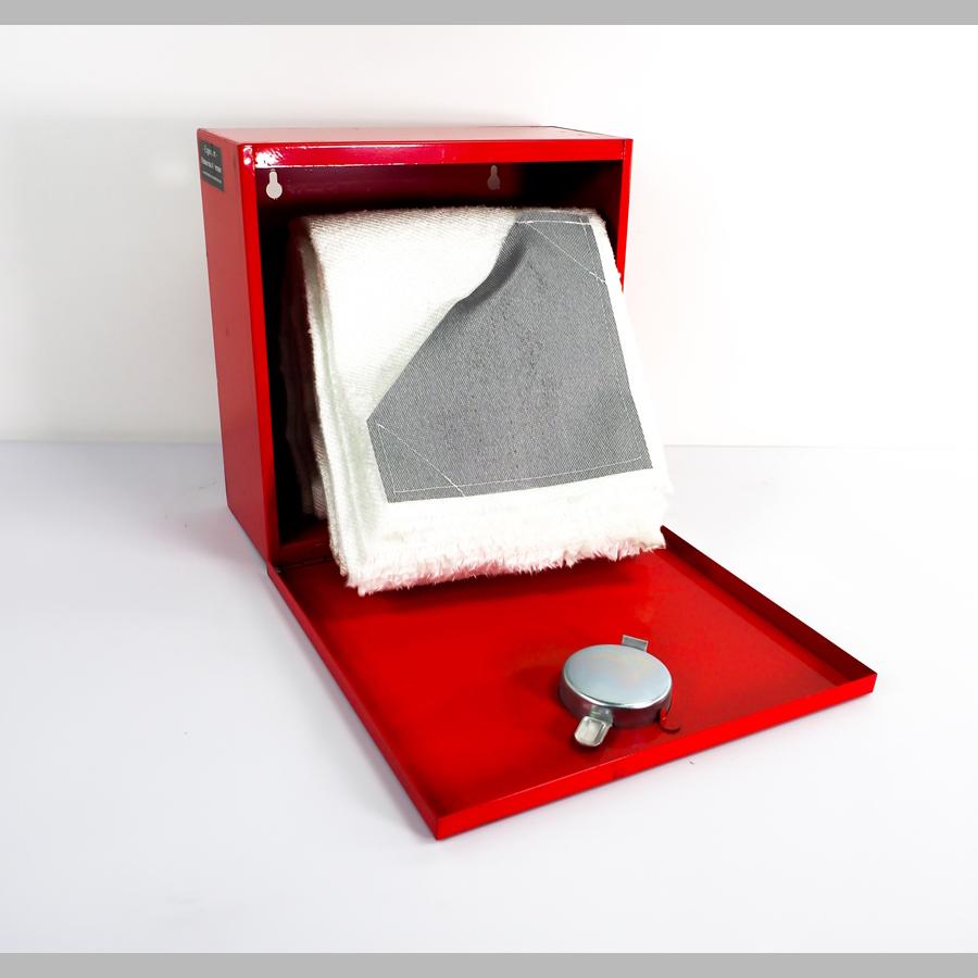 Löschdeckenbehälter, Metall rot, mit Löschdecke 1800 x 1600 mm, DIN EN3