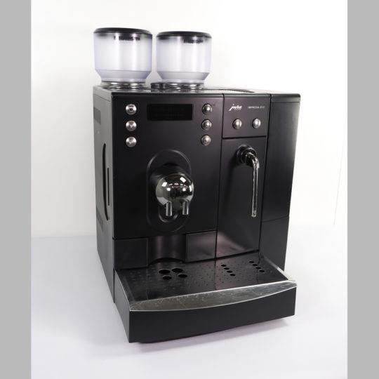 """Kaffee-Espresso-Automat  """"Jura-Impressa X7, 2 Mühlen, 230 V, ca 100 Tassen am Tag"""