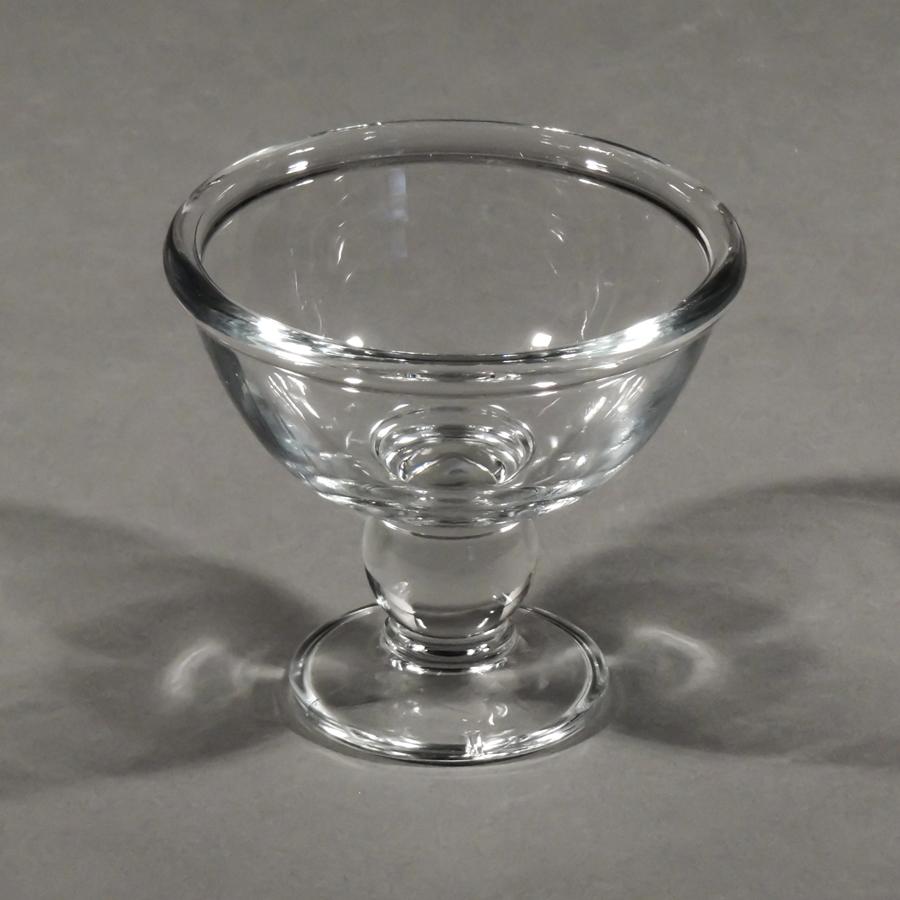 Glasschale auf Fuß